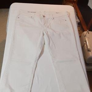 Jc penny white 33/16 petite Jean's